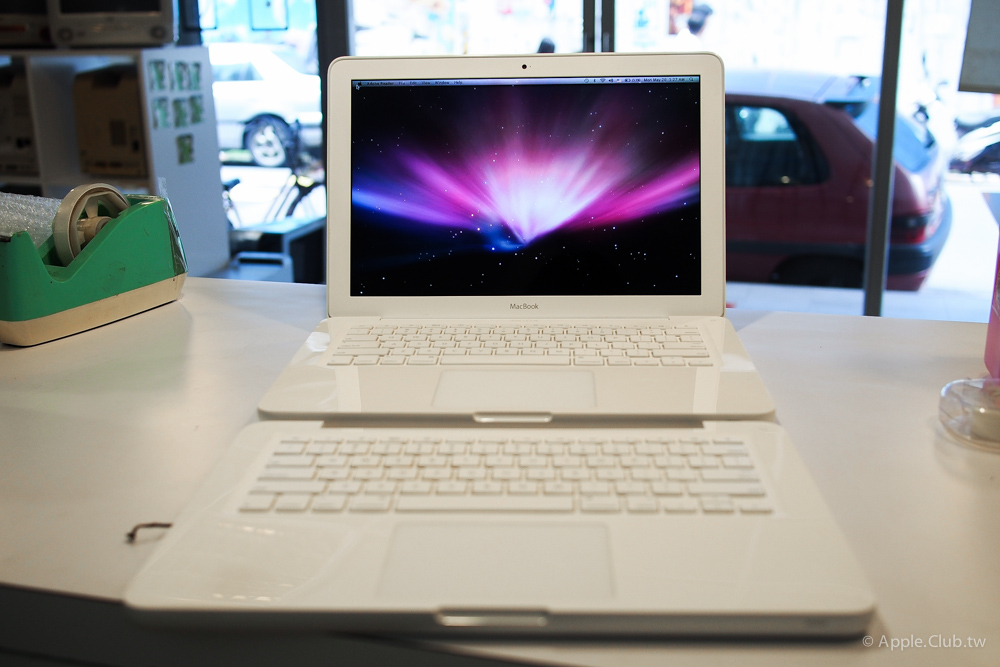 已更換好C殻的Macbook